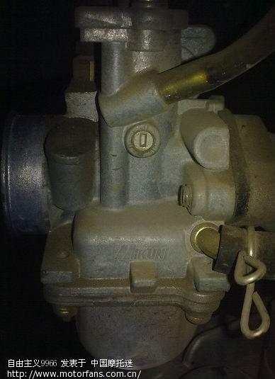 鉴于二者发动机变速箱的传动比均较特别,没有和国内所见的弯梁发动机