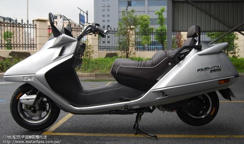 有谁了解春风水冷大绵羊摩托车高清图片