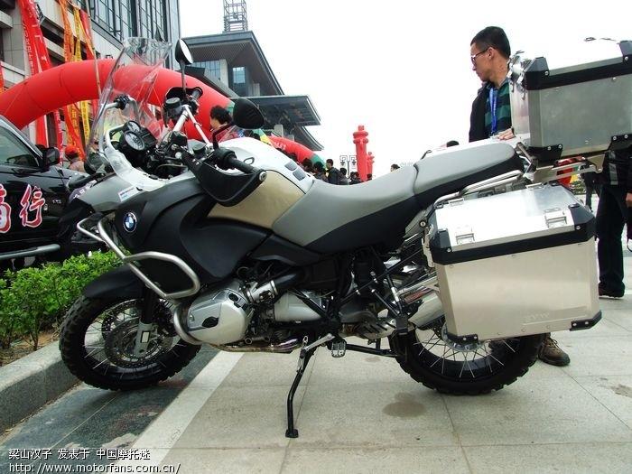 锋影参加【2010山东曲阜摩托车旅游节】名车