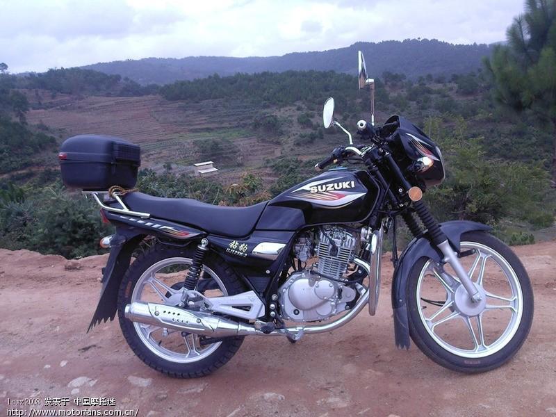 铃木125摩托车那款好高清图片