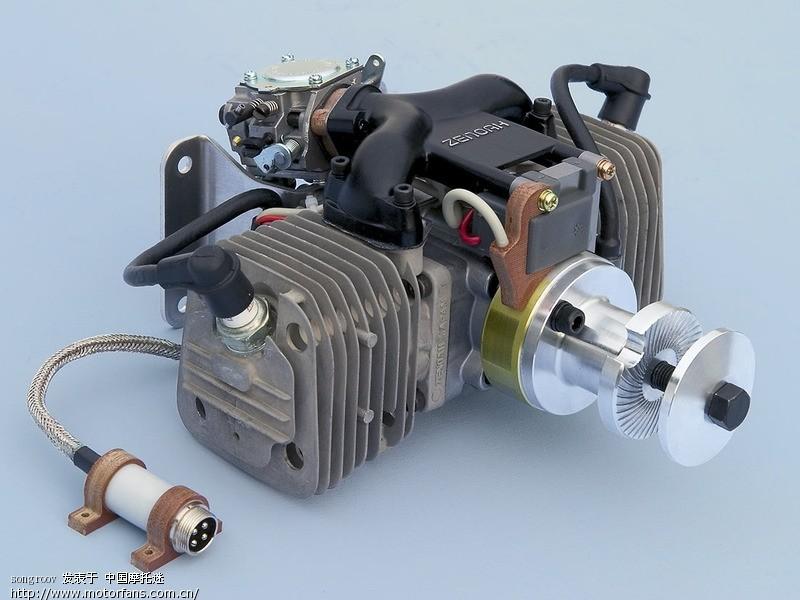 03 80排量的对置双缸发动机