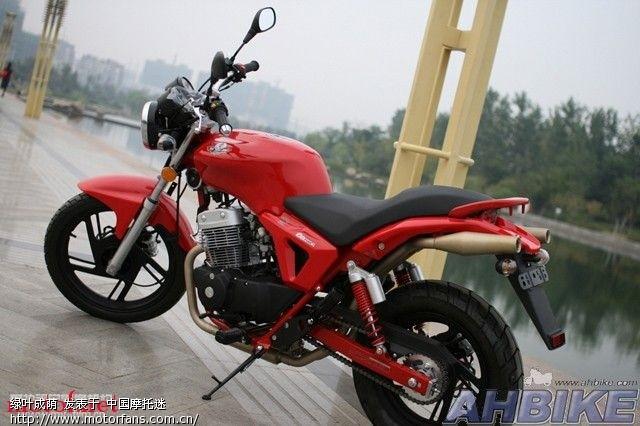 介绍几款国产250双缸街车 - 摩托车论坛 - 摩托车论坛