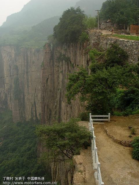 景区面积约35平方公里,北临山西,东接辉县,南靠焦辉公路,西至温盘峪.