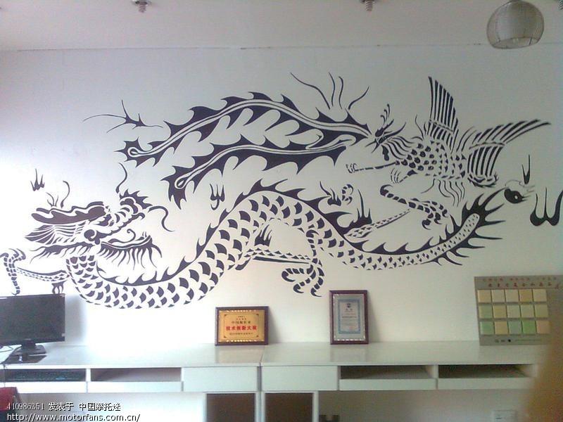 本人画的手绘墙画