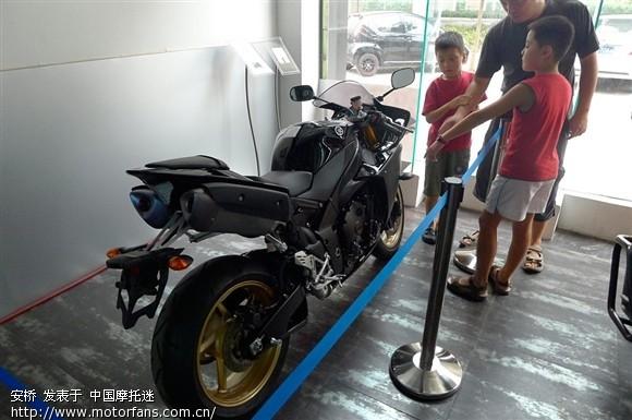 宝马,本田有几款大排摩托车在这个目录中有,可以上正规牌照,当然价格