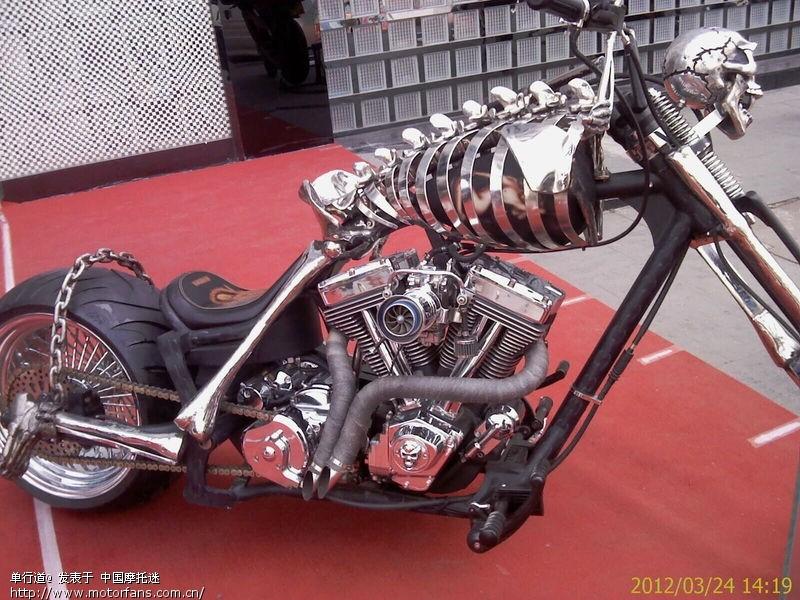 骷髅摩托车手绘