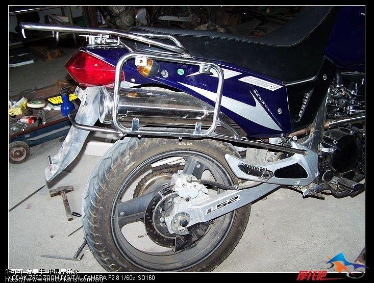 星月400自制边箱架,边箱安装完毕 - 摩托车论坛