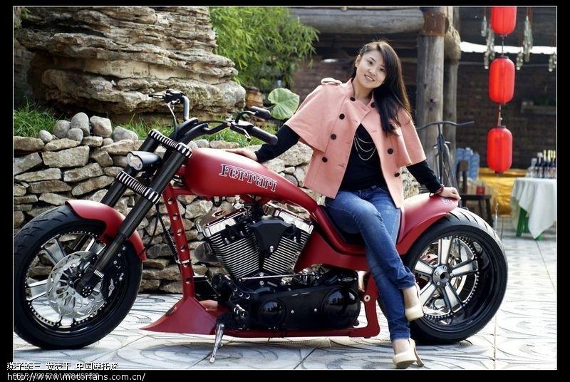 我拍的法拉利摩托车与美女