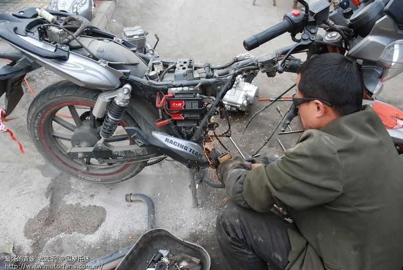 钱江龙更换cbi500发动机实况 - 维修改装 - 摩托车