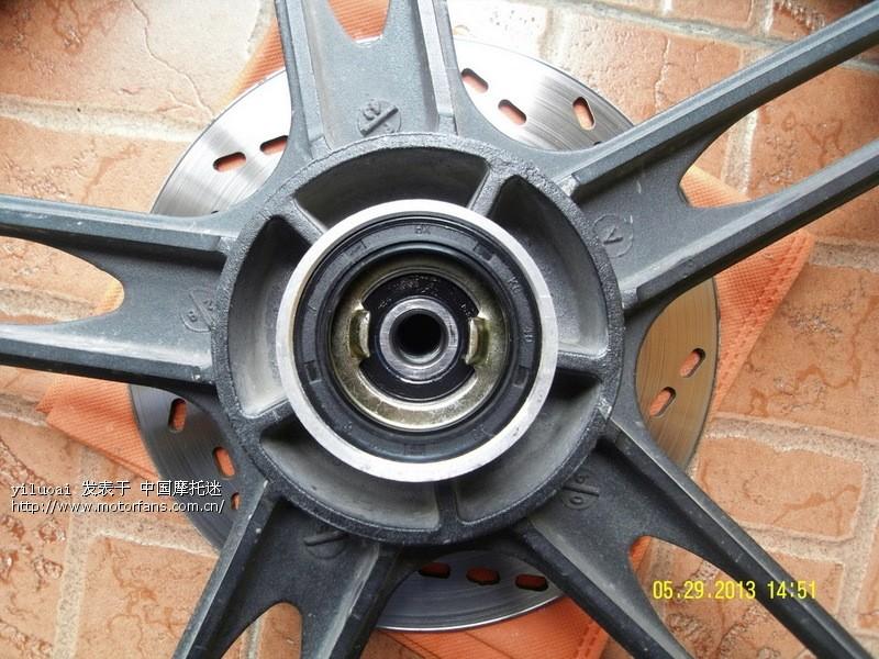 gsx125-3f更换前轮轴承 - 济南铃木 - 摩托车论坛