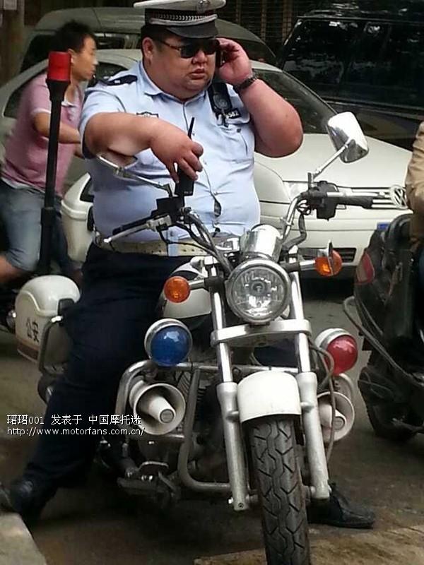 朝鲜交警骑的是国产哪个牌子的摩托 上海摩友