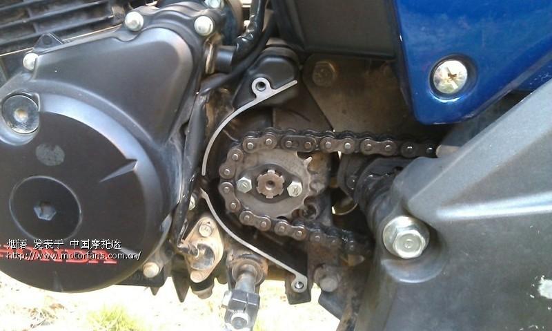发动机旁的链条壳真不是一般的脏 - 五羊本田-骑式车