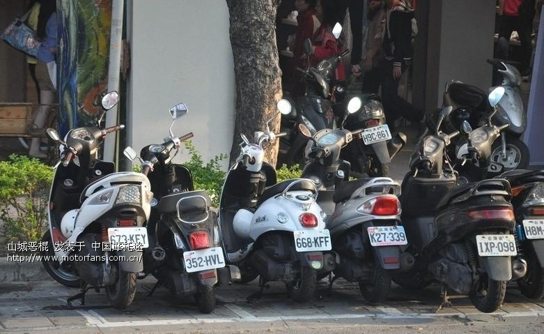 看看台湾街头的摩托车