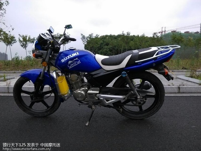 gt125x轻骑铃木摩托车骑行