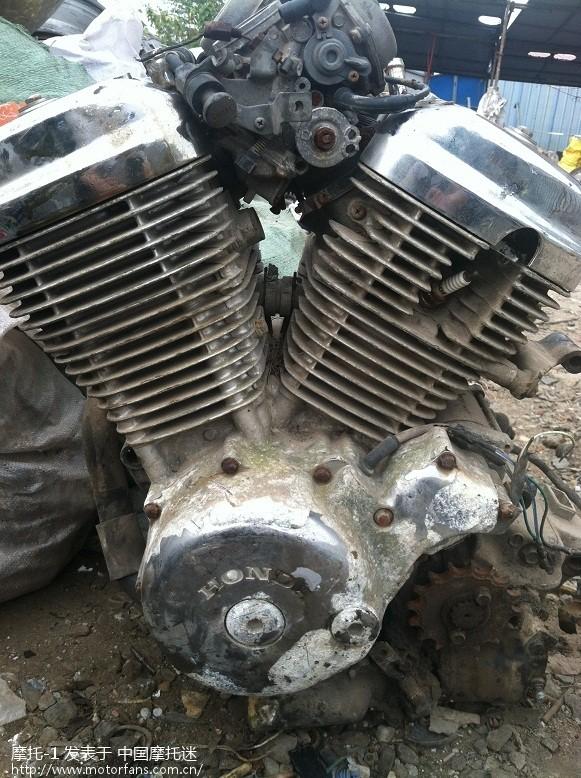 本田铁马400,国产双缸250发动机有人要么?