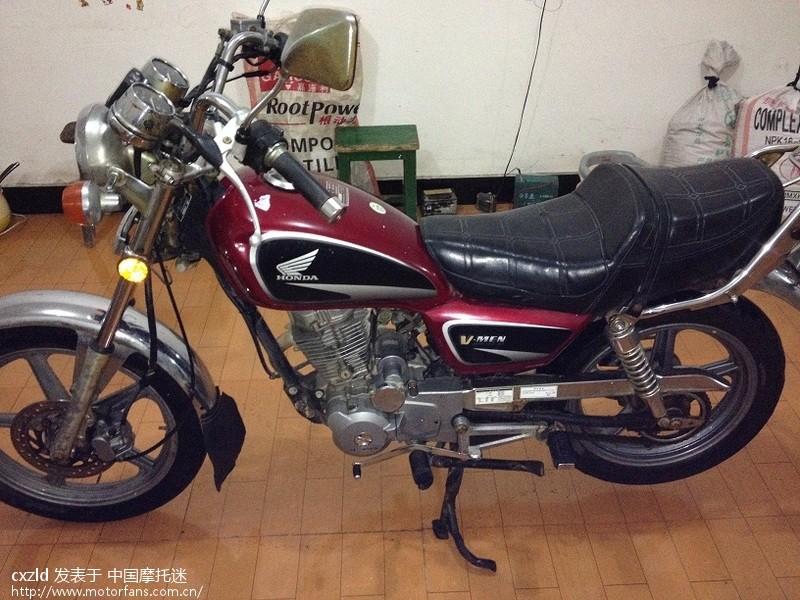 本田100飞鹰摩托车