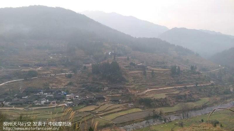 游桂林资源金紫山十里坪坦-广西第一个高山风力发电场