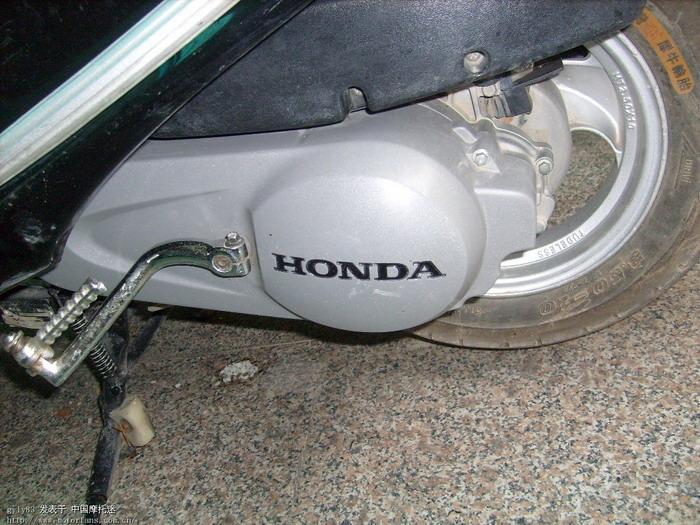 踏板车3000公里换一次机油,5000公里一次齿轮油
