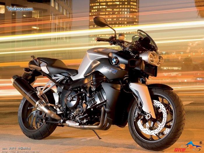 请问大家《曼谷杀手》中主角开的摩托车是什么