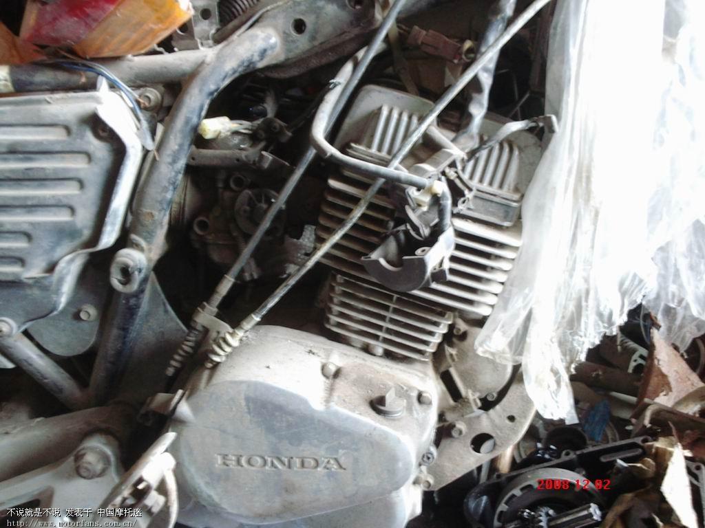准备入手原装cb125t发动机,今天不小心发现的,已经上图