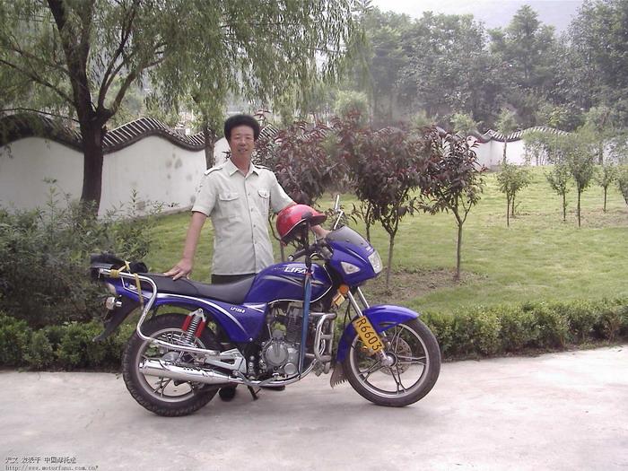 摩托车 力帆125