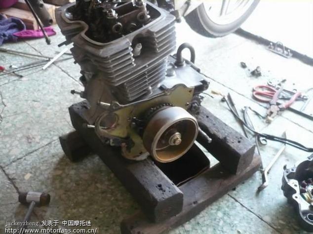 维修改装 03 如此的本田王cb125x改cb250x   附件 1: 抬了发动机图片