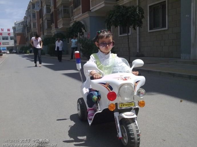 小美女学骑摩托车 踏板论坛 摩托车论坛